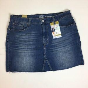 Levi Strauss denim mini skirt size 18 NWT